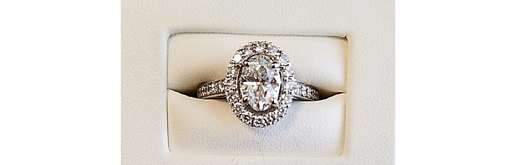 Lady's Oval Engagement Ring