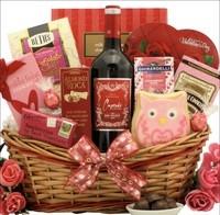 Valentine's_Day_Chocolate_&_Wine_Gift_Basket