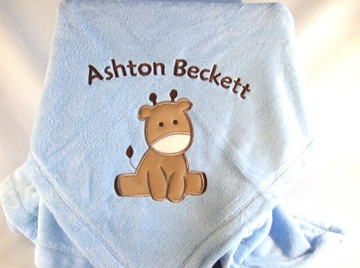 Personalized blue baby blanket with giraffe applique TMF1000