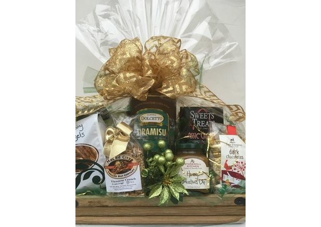 Holiday Rustic Elegance Gift Basket