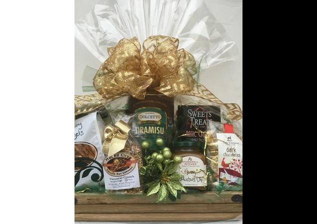 Holiday Rustic Elegance Gift Basket