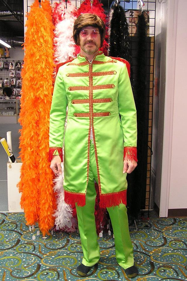sgt-pepper-rental-costume