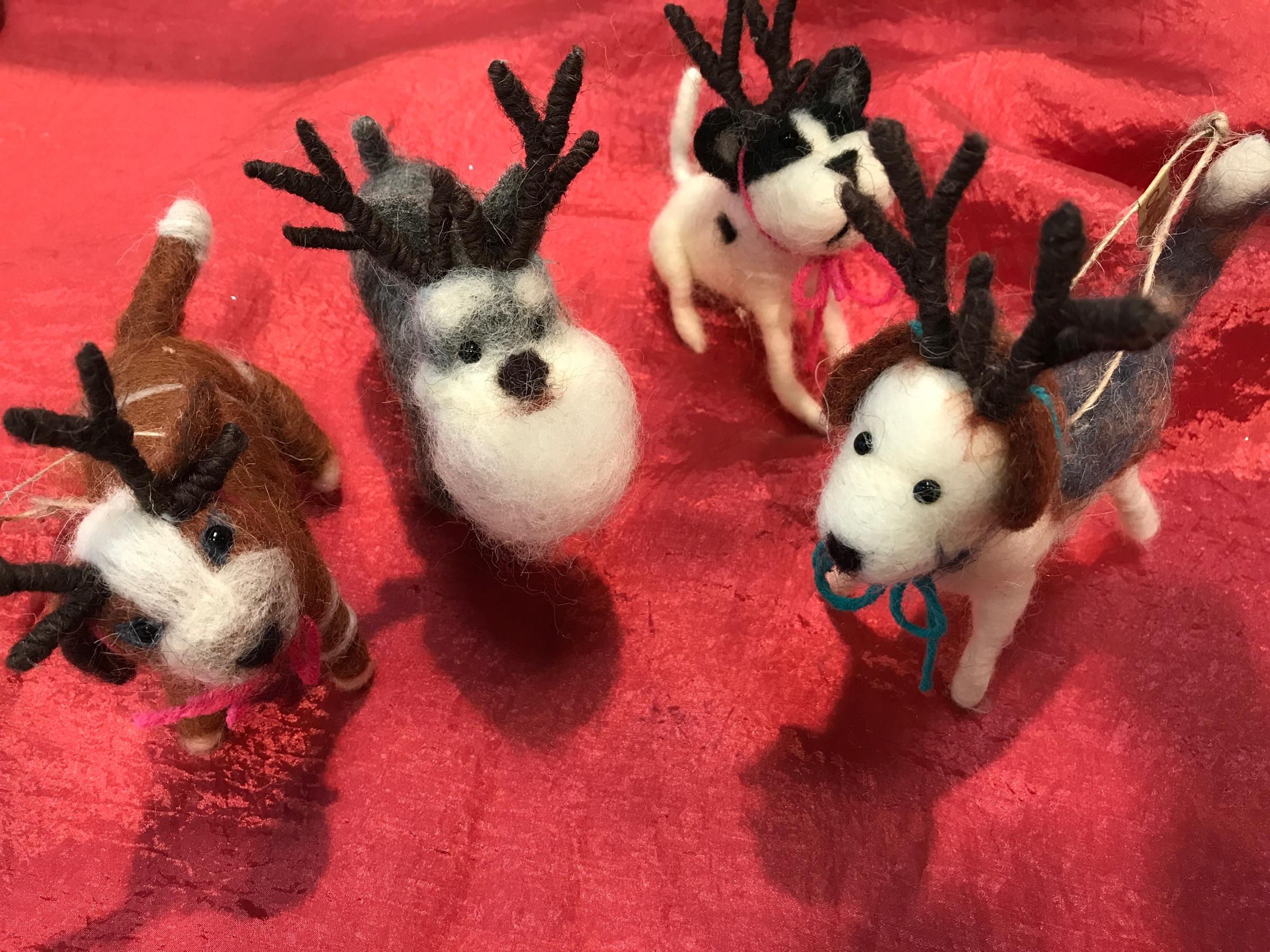 Felt_Reindeer_dogs