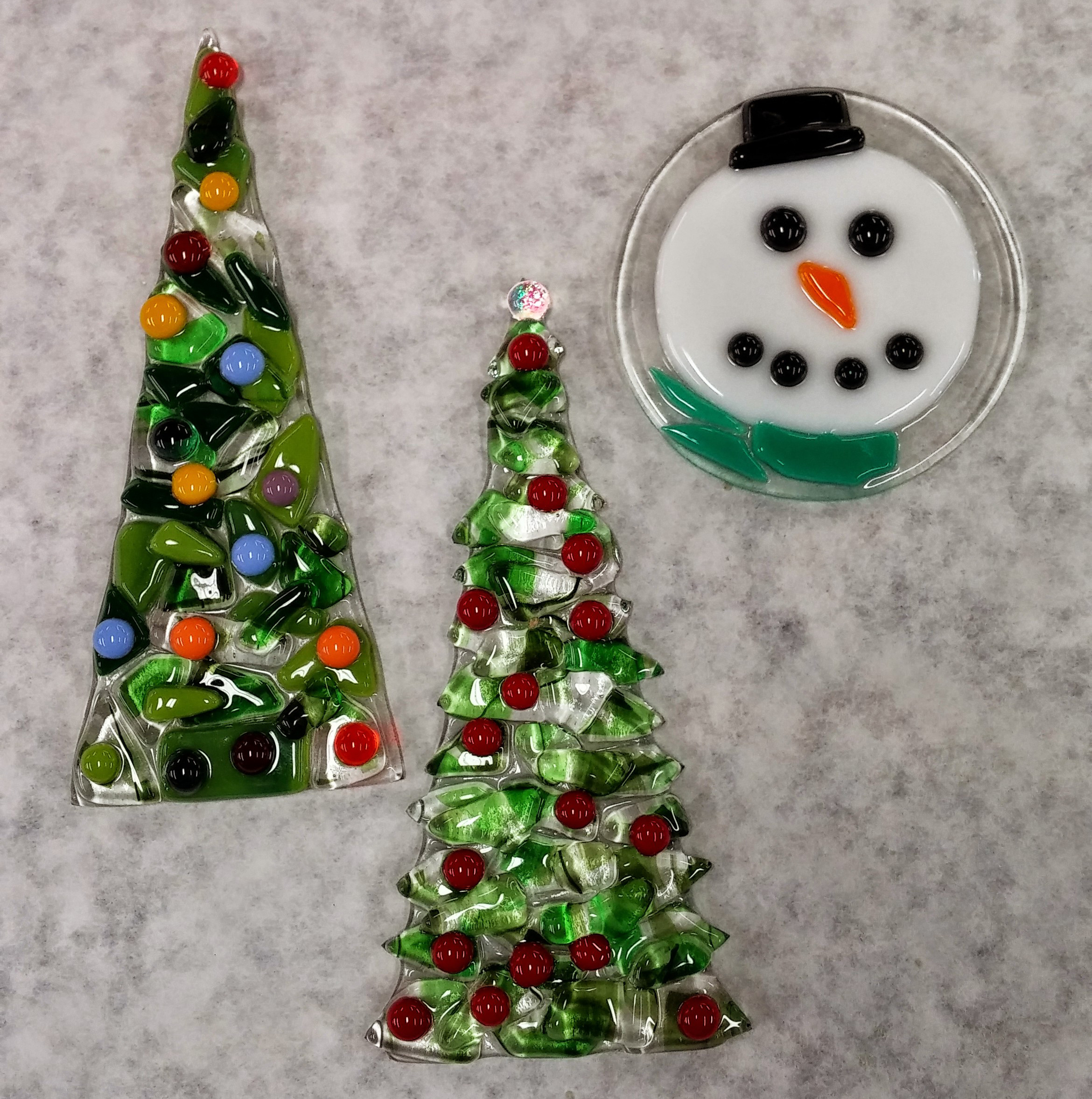 Fused glass ornaments class project examples.