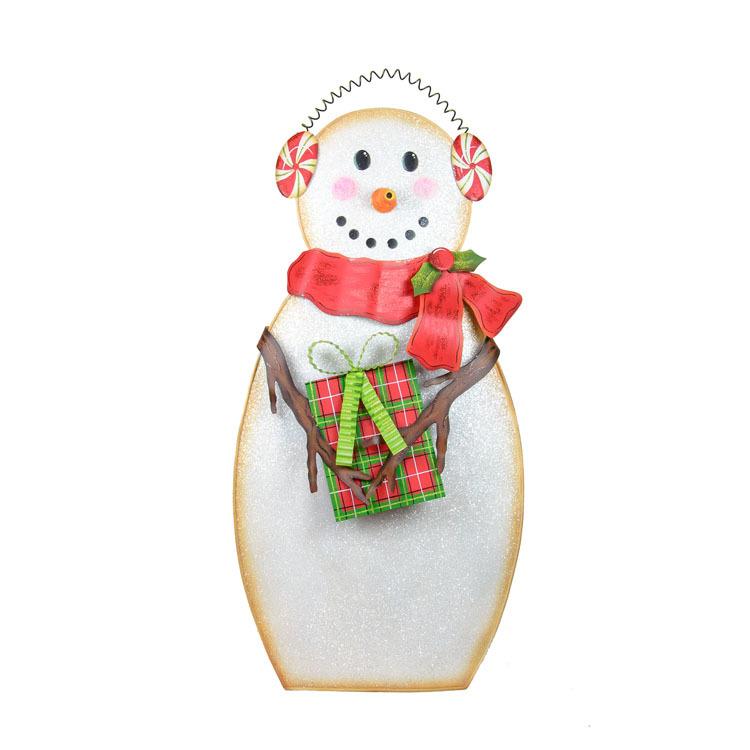 Earmuff Snowman Yard