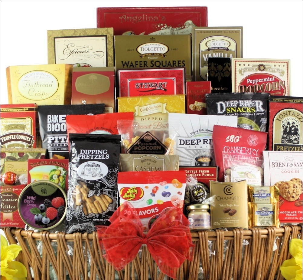 Magnificent_Munchies_Gourmet_Snack_Gift_Basket