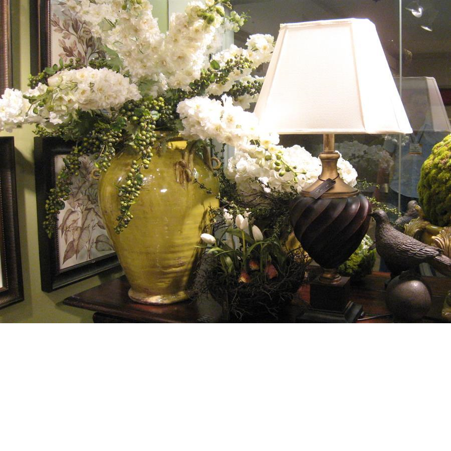 flowers_lamps_display_home_decor