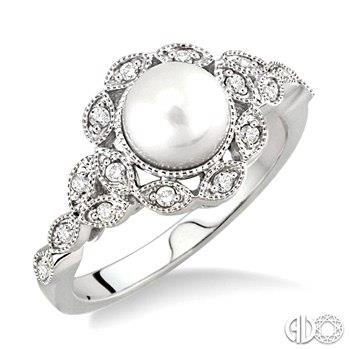 Freshwater Pearl and Diamond Ring