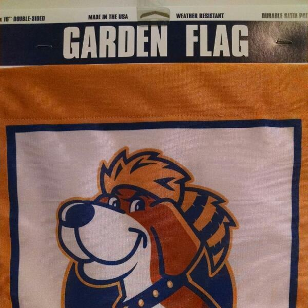 WVU Garden Flag Shield with Dog