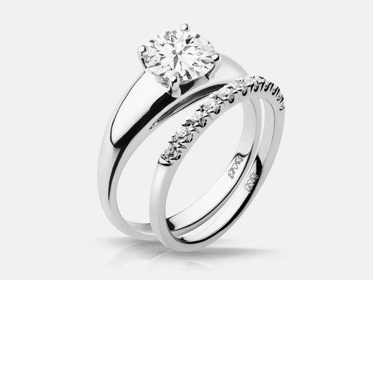 white_gold_solitaire_engagement_ring