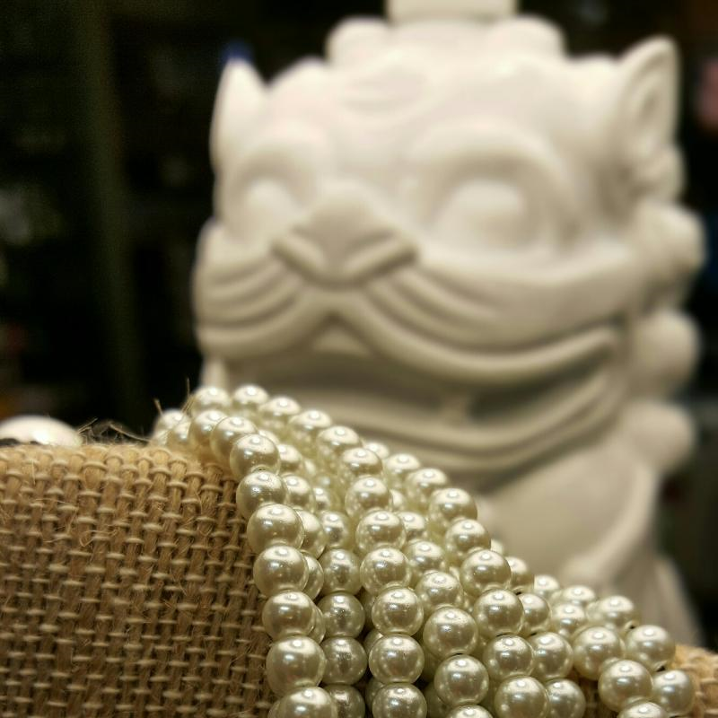 Pearls_chinese_foodog_necklace