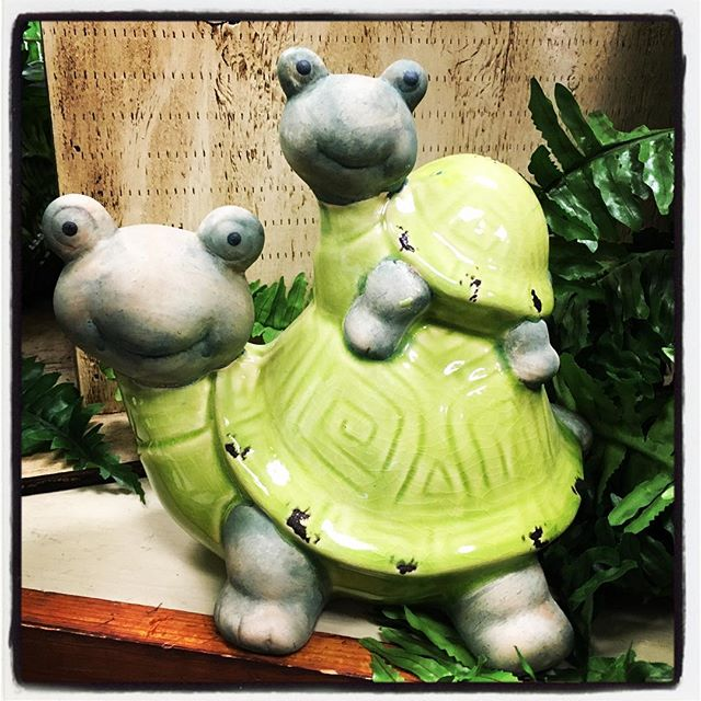 garden art, statue, turtle mom and baby, whimsical, spring