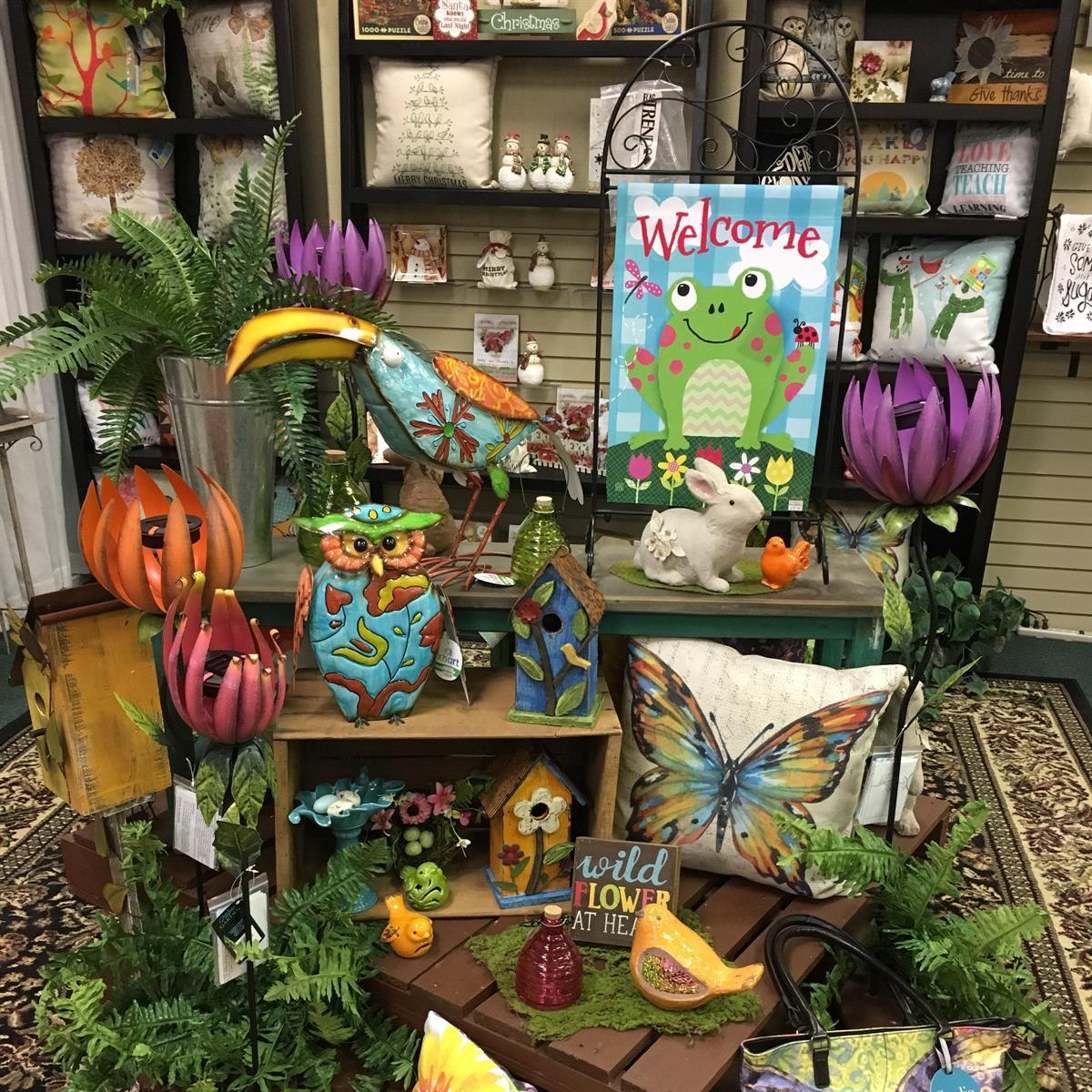 yard art, garden flag, statuary, metal, solar stake, outdoor living