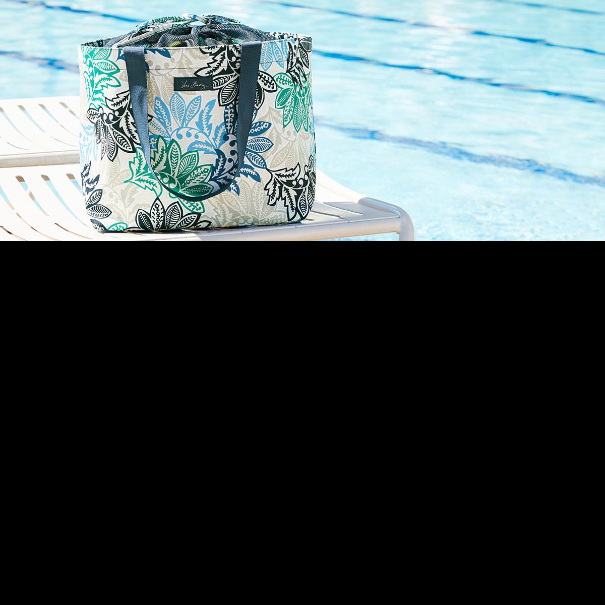 Vera_Bradley_hipster_weekender_wristlet_collegiate_crossbody_handbag