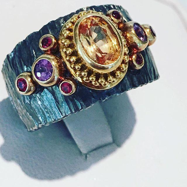 Sapphire ring, peach sapphire, Zaffiro jewelry, one of a kind jewelry, 22kt gold, handmade jewelry, statement ring, granulation jewels